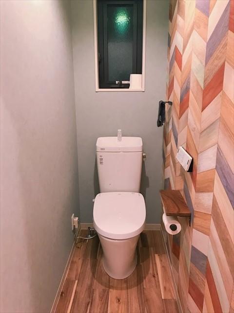 トイレ クロス 木目