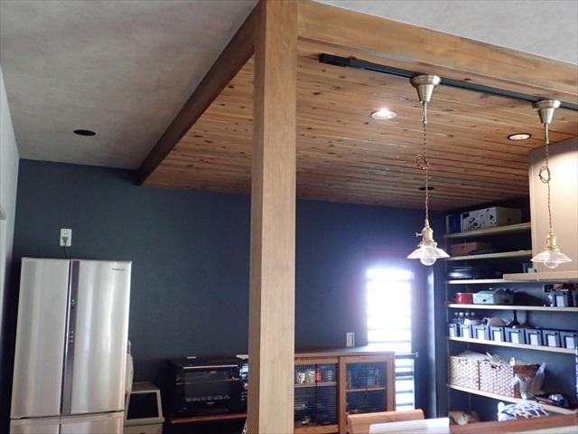 キッチン 天井 木