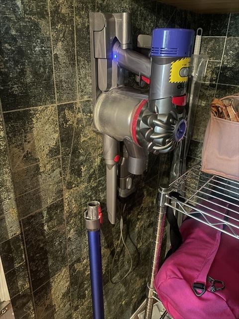 ダイソン 掃除機 収納 充電