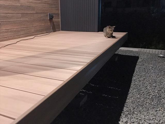 ウッドデッキ 人工木 デメリット